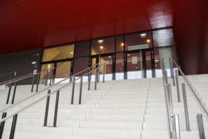 5.Eingang-Stiegen3kl