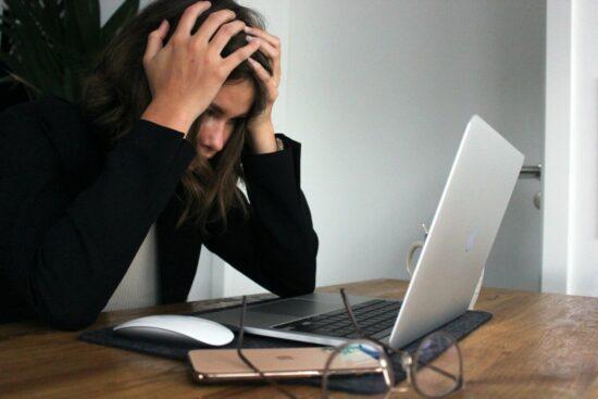 """Online-Vortrag""""Digitale Balance in der vernetzen Welt – Wie wir der digitalen Stressfalle entkommen"""""""